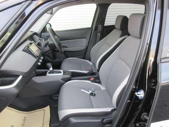 e:HEVクロスター 4WD CD フルセグ スマートキー バックモニター 横滑防止装置(13枚目)