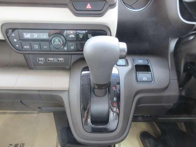 Lホンダセンシング 4WD メモリーナビ フルセグ スマートキー ETC バックモニター LED ベンチシート(11枚目)