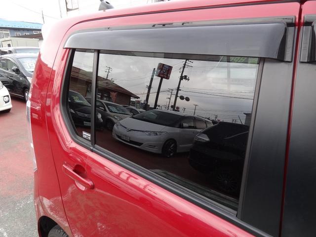 リヤガラスは純正プライバシーガラスです!