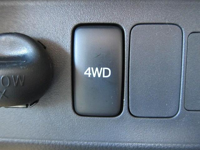 ダイハツ ハイゼットトラック スタンダード 4WD 5MT 届出済未使用車 三方開