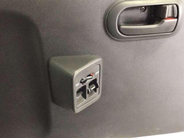 アタック AC 運転席エアバッグ キーレス付 パワーウィンド フルタイム4WD P/S CDコンポ(13枚目)