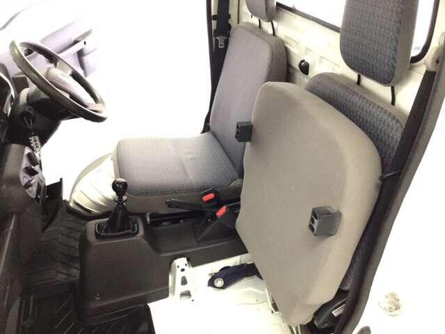 アタック AC 運転席エアバッグ キーレス付 パワーウィンド フルタイム4WD P/S CDコンポ(15枚目)