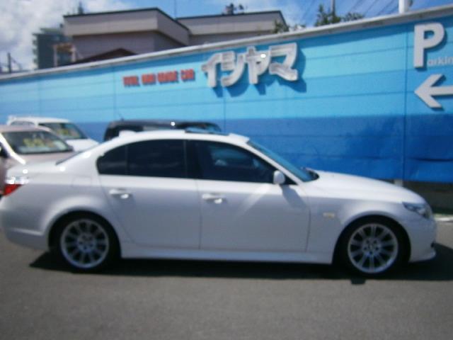 BMW BMW 530i Mスポーツ サンルーフ 黒革パワーシート 純正ナビ