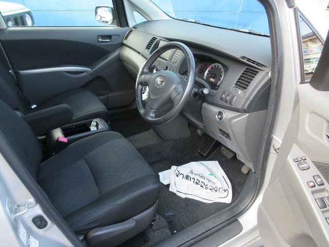プラタナ Uセレクション 4WD 両側パワースライドドア パワーバックドア 新品夏用タイヤ付き 純正HDDナビ 純正バックモニター フルセグTV CD録音再生&DVD再生 SDオーディオ対応 ボタン切替式パートタイム4WD(28枚目)