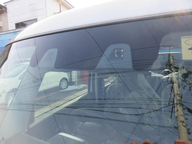 ハイブリッドXSターボ 4WD 全方位モニターパッケージ デュアルセンサーブレーキ&スズキセーフティサポート 寒冷地仕様 届出済未使用車 両側パワースライドドア ヘッドアップディスプレイ コーナーセンサー シートヒーター(6枚目)