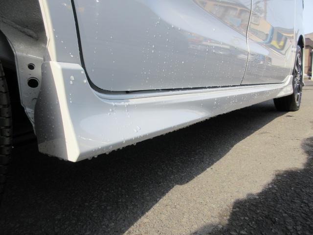 ハイブリッドXSターボ 4WD 全方位モニターパッケージ デュアルセンサーブレーキ&スズキセーフティサポート 寒冷地仕様 届出済未使用車 両側パワースライドドア ヘッドアップディスプレイ コーナーセンサー シートヒーター(13枚目)