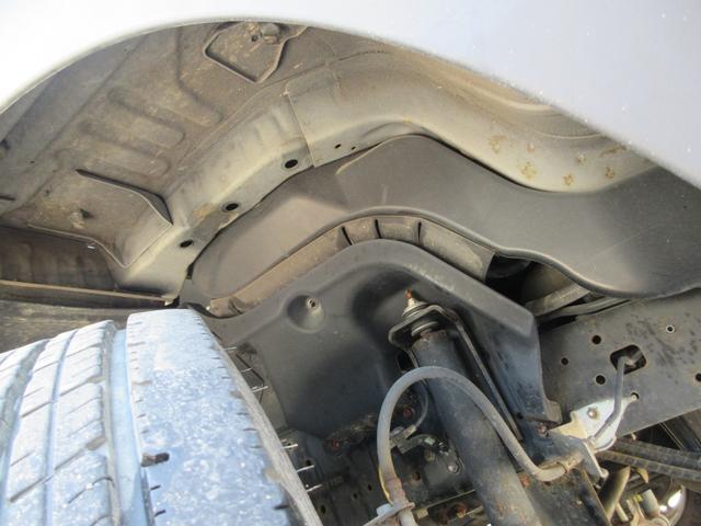 ワイド ロング フルジャストロー 荷台床鉄板張替仕上済 ディーゼルターボ NOX・PM法適合 DPF アオリ開閉補助装置 後輪ダブルタイヤ 最大積載量2000kg 三方開 ホイール組スタッドレス有(13枚目)