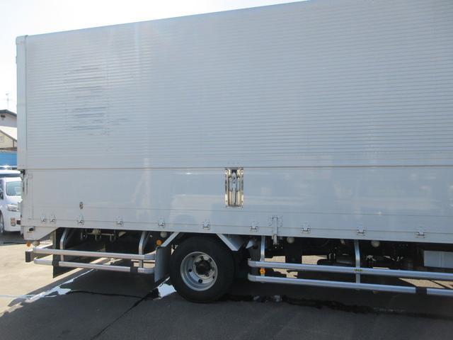 アルミウィング 最大積載量2800kg  導風板 シルバーメッキフロントバンパー&サイドミラー  バックモニター 荷室サイドラッシングレール アルミホイール 荷室内寸長さ620cm・幅222cm・高さ242cm(9枚目)