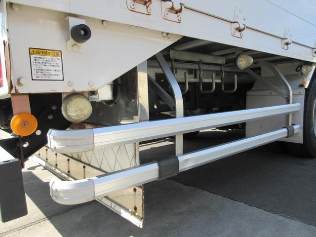 アルミウィング 最大積載量2800kg  導風板 シルバーメッキフロントバンパー&サイドミラー  バックモニター 荷室サイドラッシングレール アルミホイール 荷室内寸長さ620cm・幅222cm・高さ242cm(16枚目)