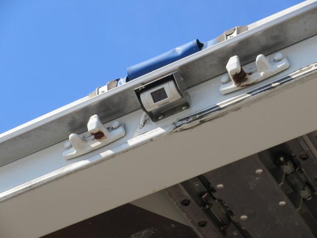 アルミウィング 最大積載量2800kg  導風板 シルバーメッキフロントバンパー&サイドミラー  バックモニター 荷室サイドラッシングレール アルミホイール 荷室内寸長さ620cm・幅222cm・高さ242cm(24枚目)