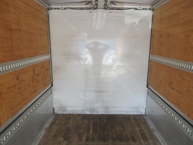 アルミウィング 最大積載量2800kg  導風板 シルバーメッキフロントバンパー&サイドミラー  バックモニター 荷室サイドラッシングレール アルミホイール 荷室内寸長さ620cm・幅222cm・高さ242cm(48枚目)