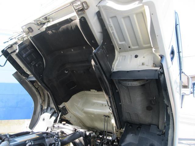 アルミウィング 最大積載量2800kg  導風板 シルバーメッキフロントバンパー&サイドミラー  バックモニター 荷室サイドラッシングレール アルミホイール 荷室内寸長さ620cm・幅222cm・高さ242cm(58枚目)