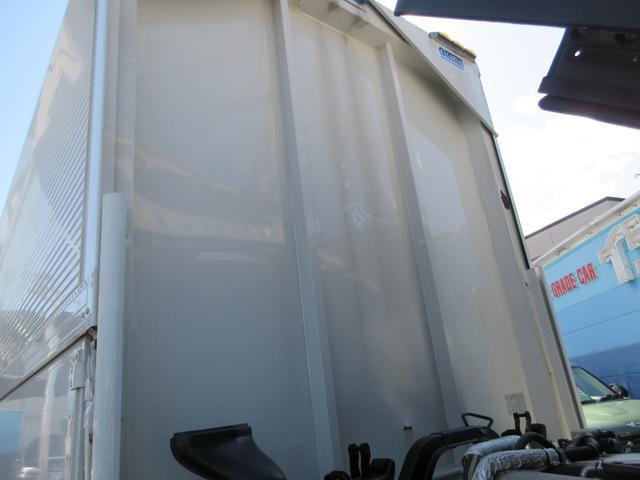 アルミウィング 最大積載量2800kg  導風板 シルバーメッキフロントバンパー&サイドミラー  バックモニター 荷室サイドラッシングレール アルミホイール 荷室内寸長さ620cm・幅222cm・高さ242cm(60枚目)