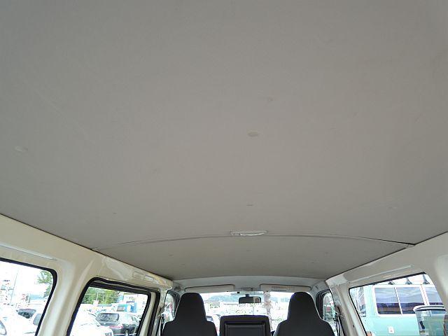 トヨタ ハイエースバン 4WDロングディーゼルターボ 夏ホイル冬AWセット付 3人乗