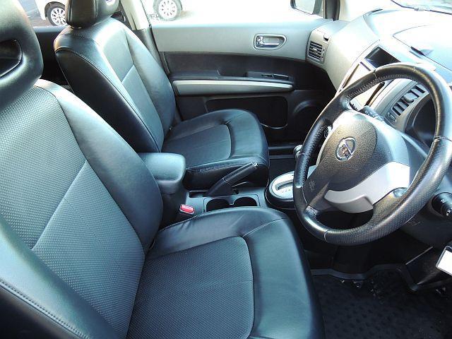 日産 エクストレイル 20X4WD 19AW 本革 HDDフルセグ バックカメラ