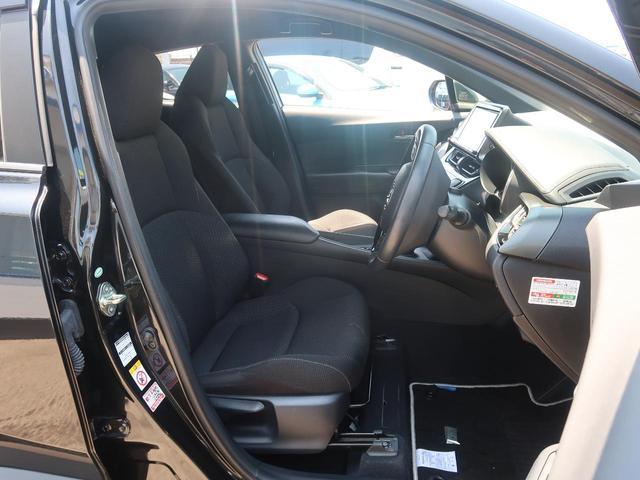S LEDエディション 純正9型SDナビ LEDシーケンシャルターンランプ 禁煙車 衝突被害軽減装置 レーダークルーズコントロール バックモニター ETC 車線逸脱警報 オートマチックハイビーム 純正17インチアルミホイール(8枚目)