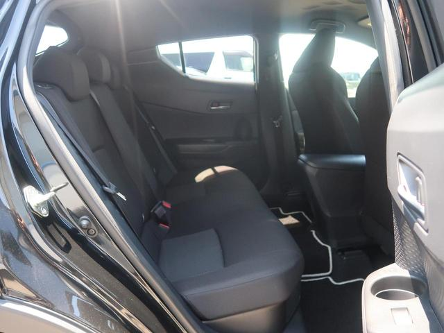 S LEDエディション 純正9型SDナビ LEDシーケンシャルターンランプ 禁煙車 衝突被害軽減装置 レーダークルーズコントロール バックモニター ETC 車線逸脱警報 オートマチックハイビーム 純正17インチアルミホイール(9枚目)