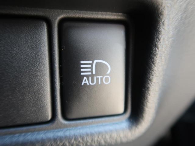 S-T LEDエディション 4WD 純正エアロ 社外ナビ LEDシーケンシャルターンランプ 衝突被害軽減装置 レーダークルーズコントロール バックカメラ 車線逸脱警報 オートハイビーム 純正17インチアルミホイール ETC(9枚目)