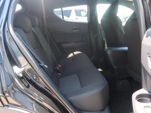S-T LEDエディション 4WD 純正エアロ 社外ナビ LEDシーケンシャルターンランプ 衝突被害軽減装置 レーダークルーズコントロール バックカメラ 車線逸脱警報 オートハイビーム 純正17インチアルミホイール ETC(12枚目)