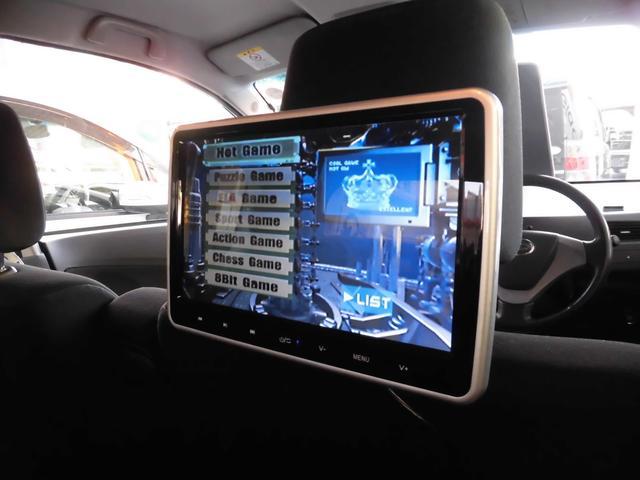 当社の新商品です。人気のフリップダウンモニターに匹敵するオプションです!10インチヘッドレストモニターです。DVDプレイヤー内蔵の為、ナビTVがないお車にも取付が可能!HDMIケーブルで携帯と接続可!