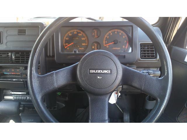 お車ご購入後のカーライフサポートもお任せ!車検・修理・カスタマイズ・カーナビやオーディオの取り付けからお車の売却まで、どんなことでもご相談に乗ります。
