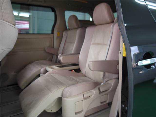 トヨタ アルファードハイブリッド X7人乗り4WD・ALPINEBIG-X&後席フリップモニタ