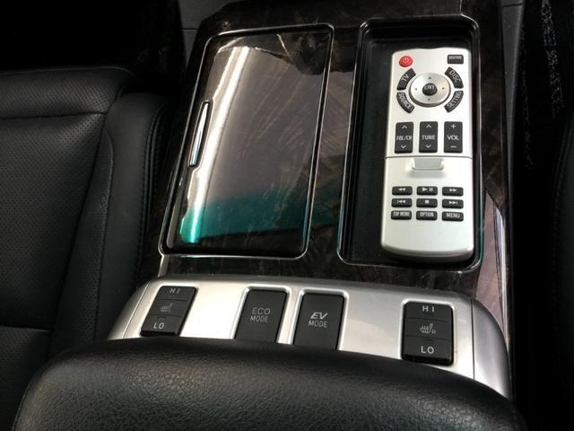 SR Cパッケージ 4WD サンルーフ レザーシート 純正ナビ フルセグTV バックビューカメラ 後席フリップダウンモニター 両側パワースライドドア パワーバックドア スマートキー プレミアムサウンドシステム クルコン(17枚目)