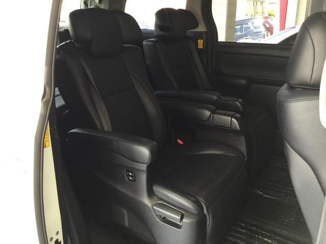 SR Cパッケージ 4WD サンルーフ レザーシート 純正ナビ フルセグTV バックビューカメラ 後席フリップダウンモニター 両側パワースライドドア パワーバックドア スマートキー プレミアムサウンドシステム クルコン(22枚目)
