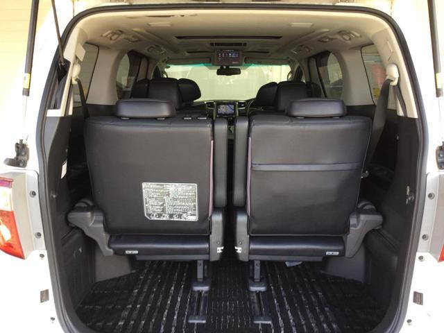 SR Cパッケージ 4WD サンルーフ レザーシート 純正ナビ フルセグTV バックビューカメラ 後席フリップダウンモニター 両側パワースライドドア パワーバックドア スマートキー プレミアムサウンドシステム クルコン(30枚目)