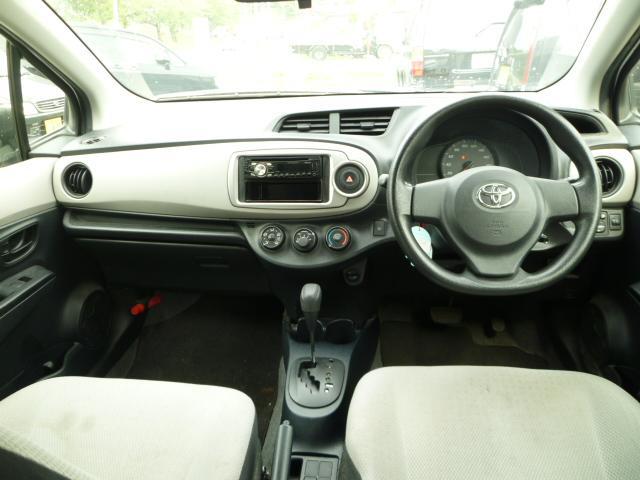 トヨタ ヴィッツ F 4WD 社外CD