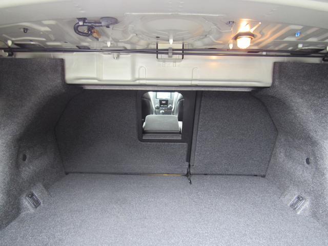 スズキ キザシ 4WD 社外HDDナビ フルセグ バックカメラ 黒革シート