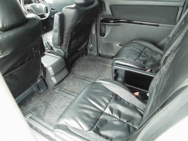 トヨタ ヴェルファイア 2.4Z プラチナムセレクション アルパインナビ後席モニター