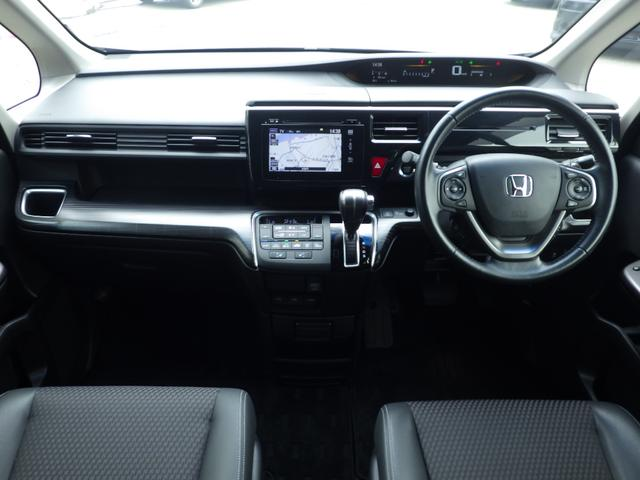 スパーダ・クールスピリット 4WD ホンダセンシング メモリーナビ アラウンドビューモニター フリップダウン CD/DVD/BLUETOOTH 地デジ 両側自動ドア ETC LEDライト シートヒーター ハーフレザー(4枚目)
