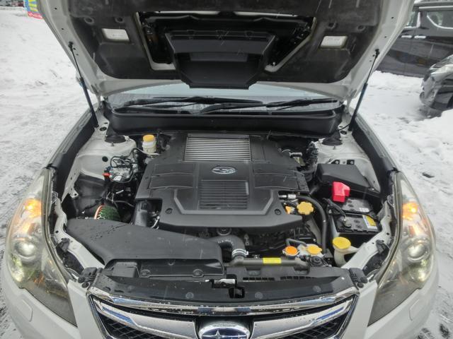 2.5GTアイサイトSパッケージ 4WD Stiフロントリップスポイラー 社外二本出しマフラー HDDナビ&フルセグTV&音楽録音&CD&DVD再生&ブルートゥース HID&フォグ 追従クルコン&レーンアシスト 電動ハーフレザーシート(20枚目)
