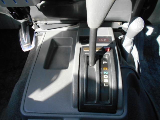 トヨタ ランドクルーザープラド SXワイド4WD Dターボ 色替え リフトアップ