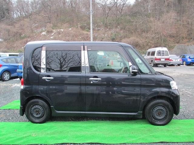 運転席側のタイヤハウス上部あたりに横から見れば認識できる程度の小凹みがあります。