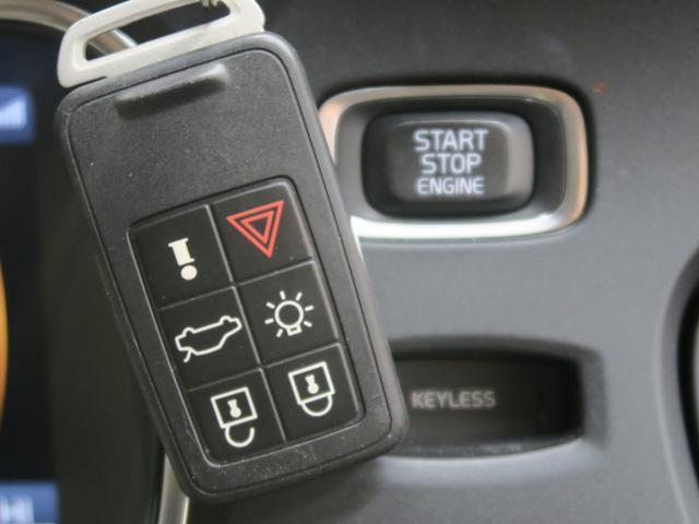ボルボ ボルボ V40 T4 SE セーフティーパッケージ 1オーナー 黒革シート