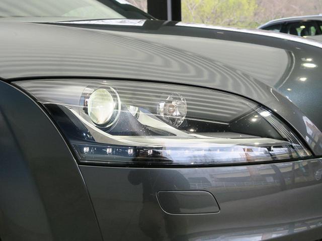 『ヘッドライトがくすんでしまうと折角のお気に入りのお車もみすぼらしくなってしまいます。当社ではそんな悩みを解決すべくヘッドライトコーティングも施工可能です!』