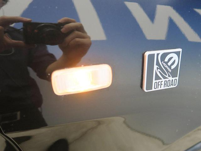 ●サイドウィンカー『視認性の悪いシチュエーションでも自車位置をアピール可能です!』