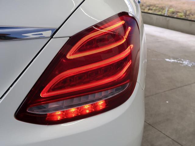 ●リアコンビネーションランプ『後ろからのフォルムも高級感と迫力があり非常に魅力的な車両です。』