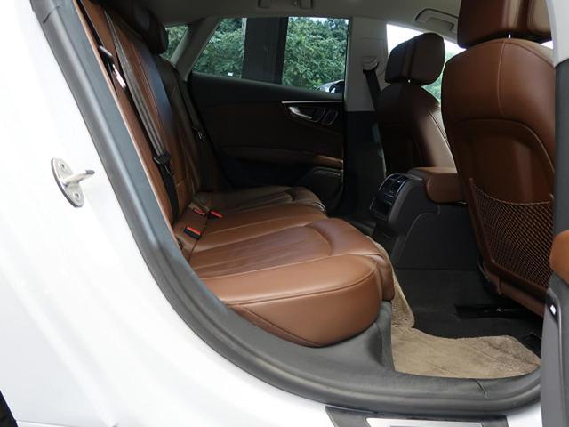 2.0TFSIクワトロ アシスタンスPKG ACC サイドアシスト マトリクスLED 20インチAW プライバシーガラス ブラウンレザーシート パワーシート シートヒーター 4WD BOSEスピーカー 電動リヤゲート ETC(9枚目)
