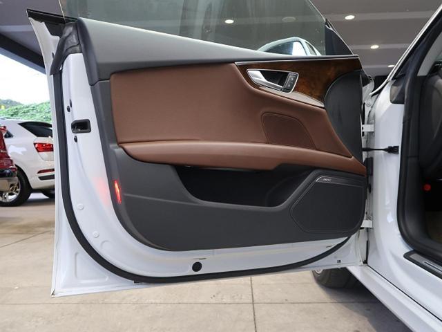 2.0TFSIクワトロ アシスタンスPKG ACC サイドアシスト マトリクスLED 20インチAW プライバシーガラス ブラウンレザーシート パワーシート シートヒーター 4WD BOSEスピーカー 電動リヤゲート ETC(28枚目)