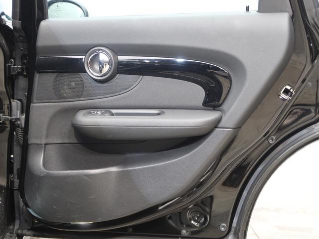 クーパー クラブマン ペッパーPKG LEDヘッドランプ 純正HDDナビ バックカメラ クルーズコントロール ミラー内蔵ETC 純正17インチアルミホイール コンフォートアクセス Bluetooth接続可 禁煙車(37枚目)