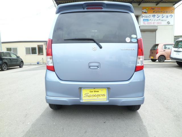 エアコン・パワーステアリング・パワーウインドウ・運転席/助手席エアバック・ABS・14インチAW・キーレスエントリー・スマートキー・盗難防止システム・衝突安全ボディ・ベンチシート・フルフラット・CD