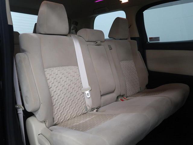 『セカンドシートは使用感も少なくキレイな状態です!大人でも快適に乗って頂けます♪』