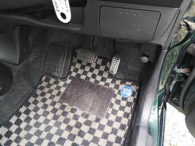 Xリミテッド4WDプライバシーガラスHID禁煙車キーレス(18枚目)