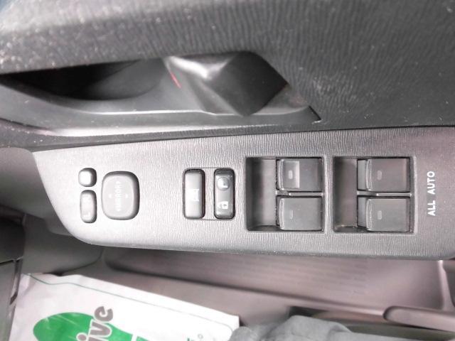 トヨタ ヴォクシー X Lエディション 4WD 左パワースライドドア