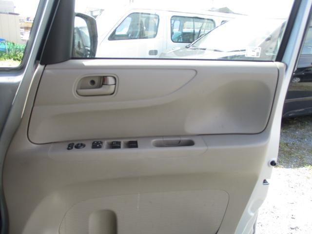 運転席側のドアになります☆落ちついた色合いが良いですね!