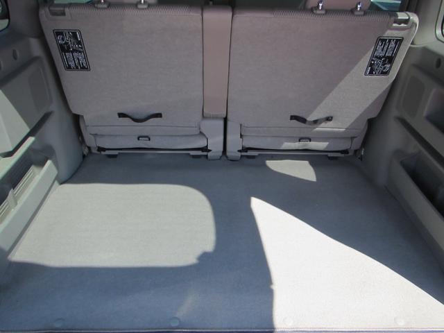 E 4WDターボ 標準ルーフ HIDライト 衝突軽減装置 横滑り防止 純正アルミ ワンオーナー車(7枚目)