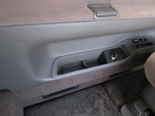 トヨタ ハイエースワゴン スーパーカスタムリミテッド 4WD 17インチアルミ